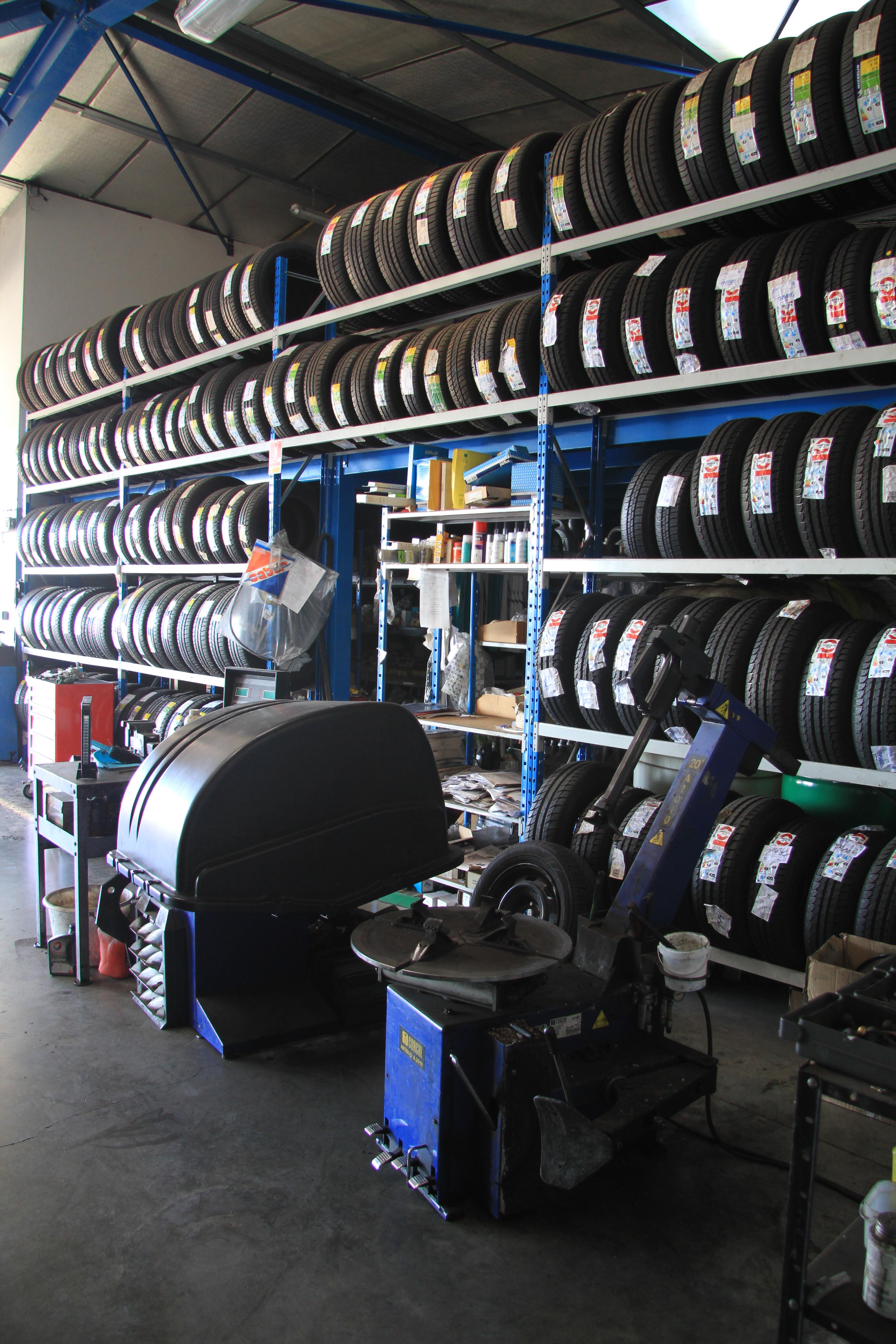 Stockage gratuit de pneus en t comme en hiver au passage for Garage peugeot agen
